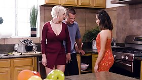 Big-busted blonde housewife Dee Williams loves having crazy steamy MFF threesome